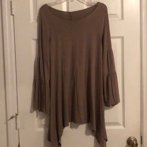 Tops - Taupe piko top with ruffle sleeves